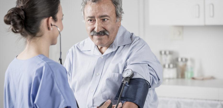Macroscopische hematurie risciofactor hoge bloeddruk hemofiliepatiënt